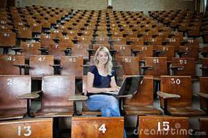 woman-student-empty-lecture-hall-22600000